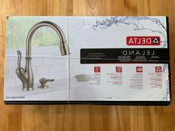 Delta Leland Pull-Down Sprayer Kitchen Faucet-NEW in box